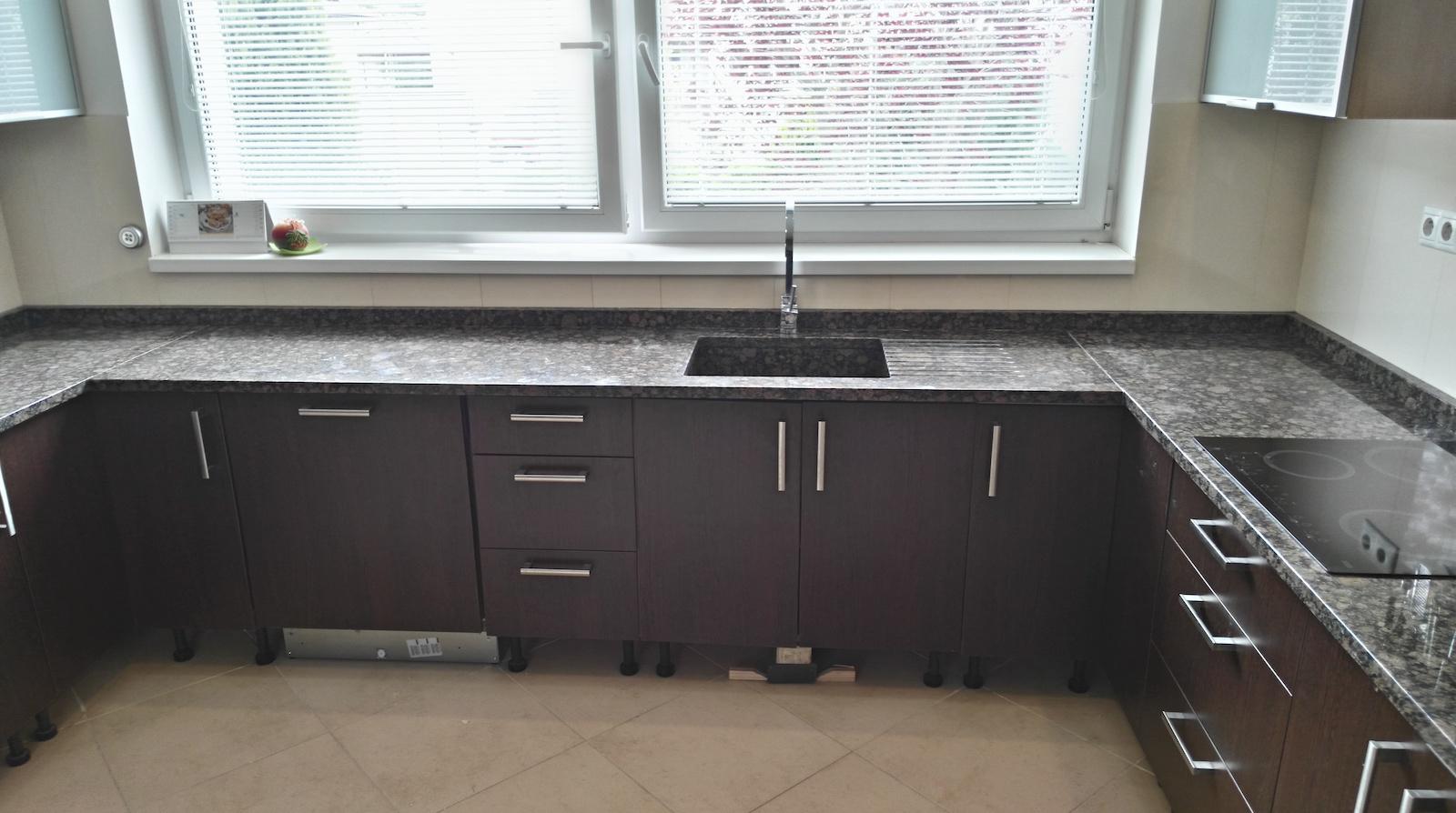 Kuchyna-Baltic-Brown