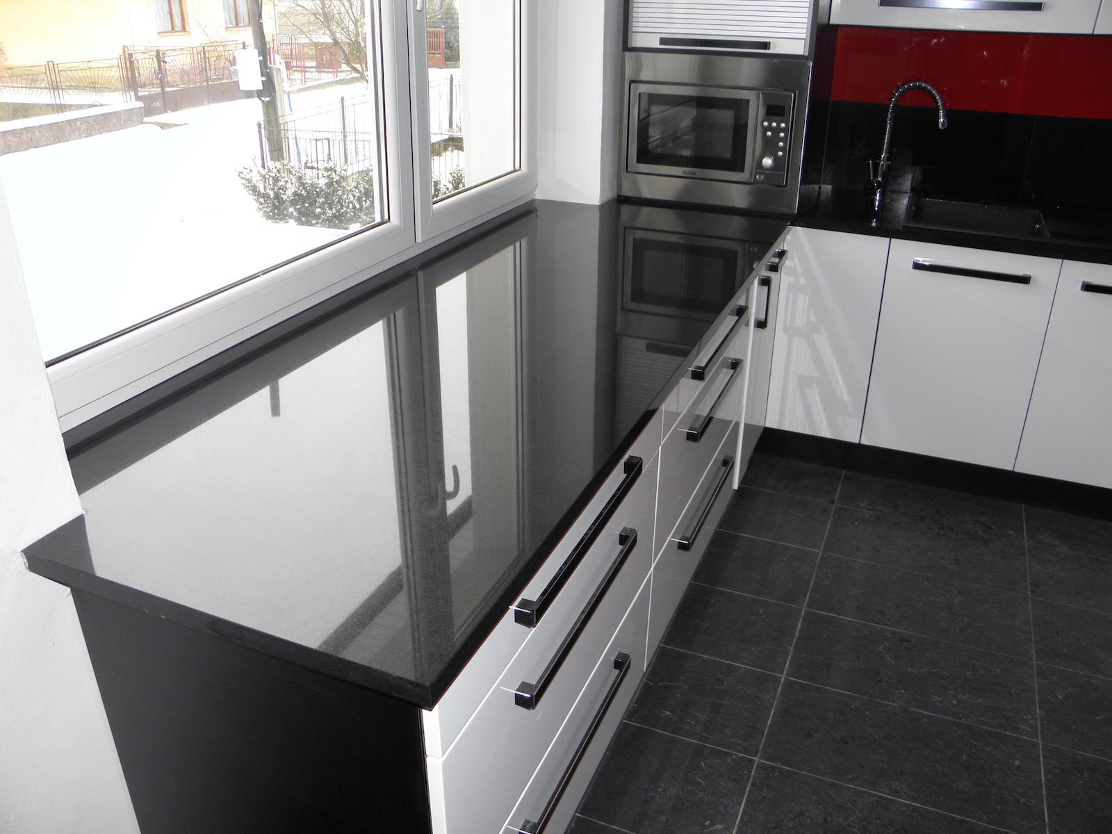 Kuchyna-Black