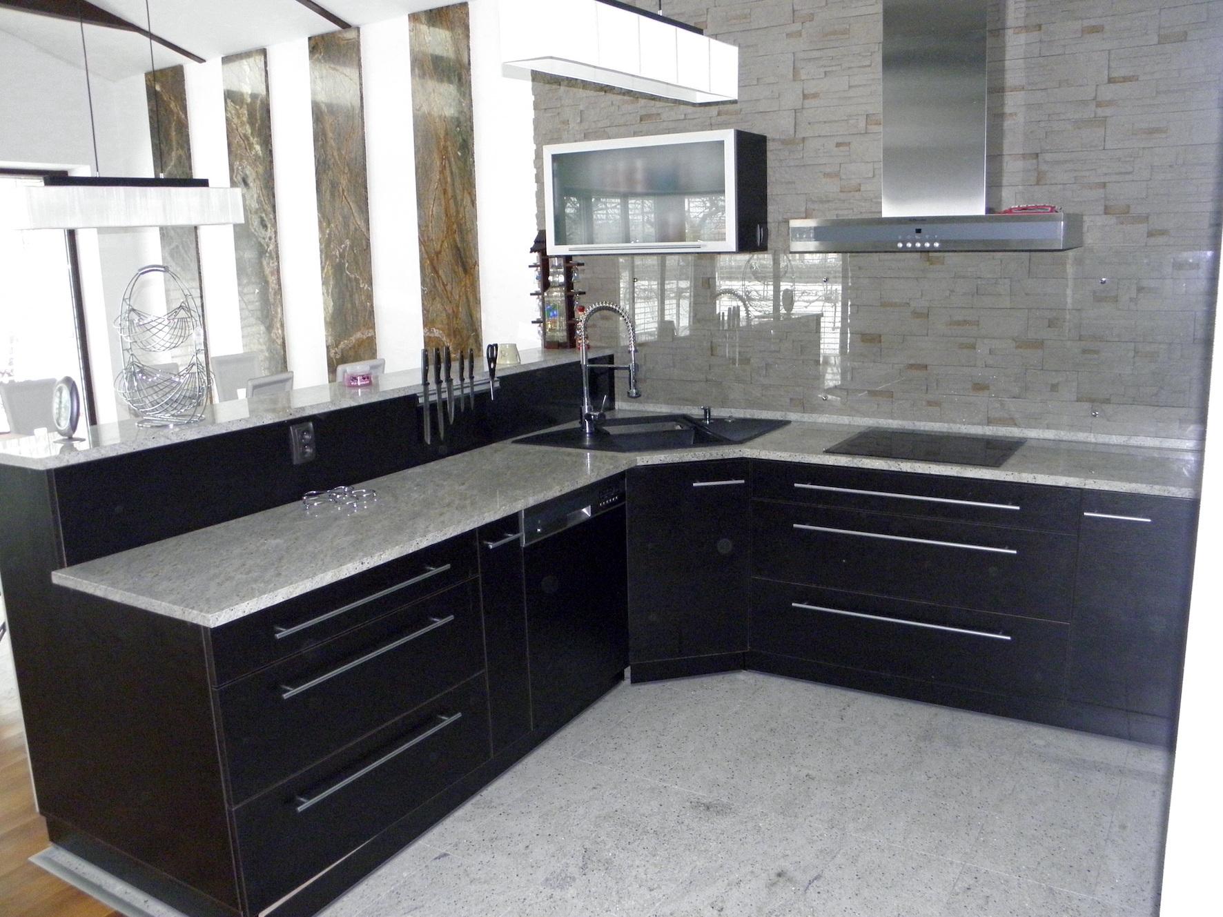Kuchyna02
